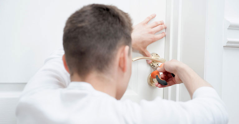 What to do if a locksmith breaks my lock?